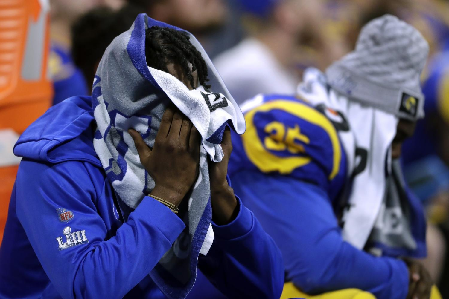 Los Angeles Rams players sit dejected on the bench during the second half of the NFL Super Bowl 53 football game against the New England Patriots, Sunday, Feb. 3, 2019, in Atlanta. (AP Photo/John Bazemore)