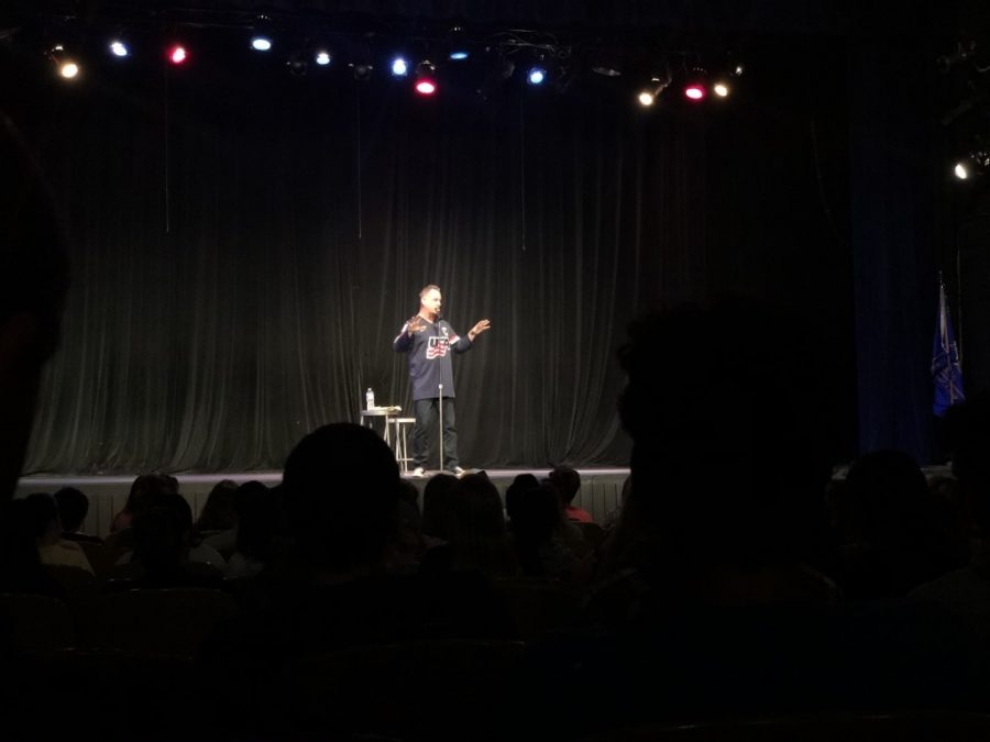 """""""Full House"""" Actor Dave Coulier performs stand-up at JCU"""