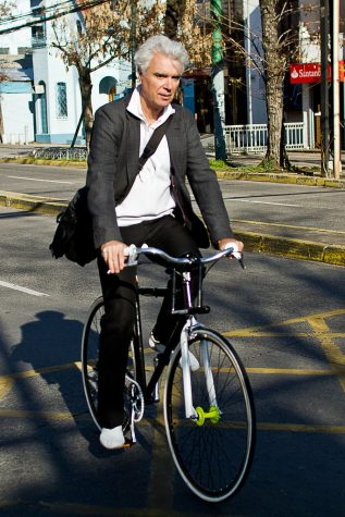 David Byrne Rides His Bicycle. By Claudio Olivares Medina via The Creative Commons